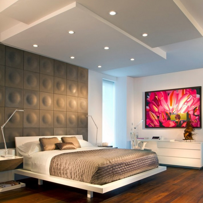 дизайн спальни, интерьер спальни в современном стиле стиле, многоуровневый потолок, дизайн интерьера спальни, 3д панели в спальне, диван у окна, белая дверь в интерьере, белая мебель в спальне, дизайн интерьера квартир в Москве