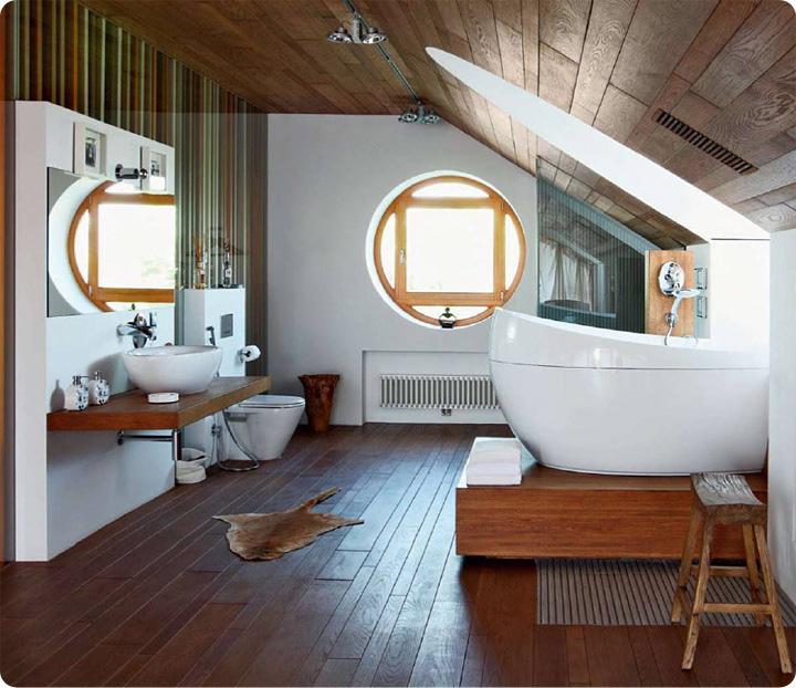 Лежать в ванной