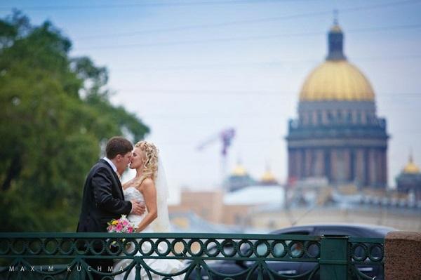 Максим Кучма_поцелуев мост4