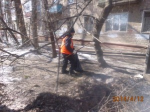 Уборка посторонних предметов ул. Средне-Садовая (1)