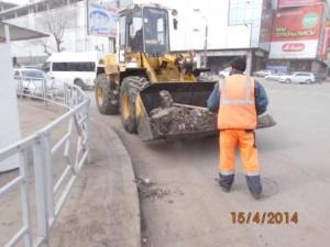 Уборка зимних накоплений ул. Аэродромная (1)