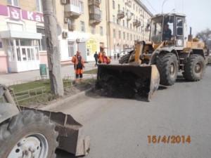 Уборка зимних накоплений ул. Победы (5)