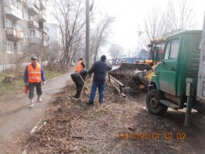 Уборка зимних накоплений ул. Балаковская (5)