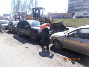 Уборка зимних накоплений Местный проезд по Авроре от Партизанской до Аэродромной (3)