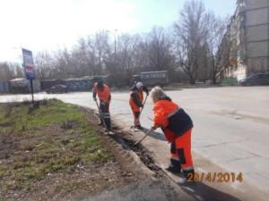 Уборка зимних накоплений ул. Санфировой (1)