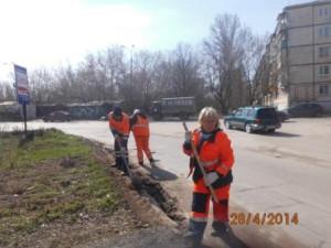 Уборка зимних накоплений ул. Санфировой (2)