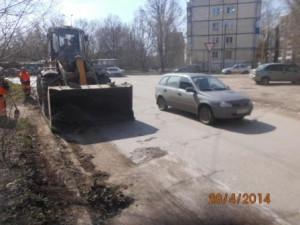 Уборка зимних накоплений ул. Санфировой (3)