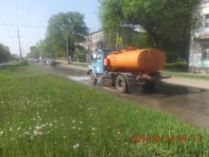 Уборка зимних накоплений с улице С.Армии (5)