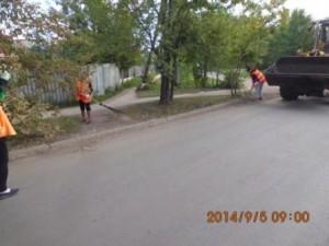 Очистка прилотковой части дорог ул.Тамбовская