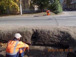 Очистка водопропускных труб на улице Фасадной (2)