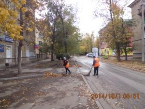 Очистка прилотковой части дорог ул.Молодёжный пер
