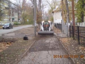 Механизированое подметание тротуаров ул.Сорок лет пионерии