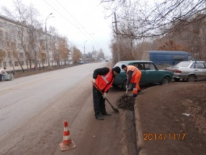 Очистка прилотковой от смёта ул.Пугачёвский тракт