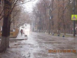 Уборка тротуара и прилотковой по ул.Зеленая