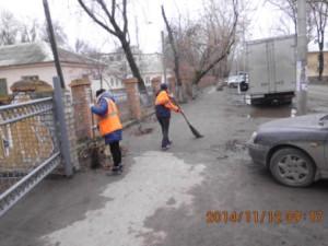 Ручная уборка тротуаров ул.Бакинская