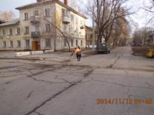 Уборка прилотковой Пл.ДК Нефтянников