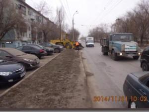 Уборка прилотковой по ул.Пугачевский тракт
