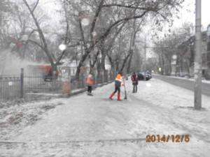 Очистка тротуара ул.Бакинская