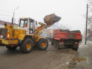 Очистка тротуара и вывоз снега ул. Аврора (3)