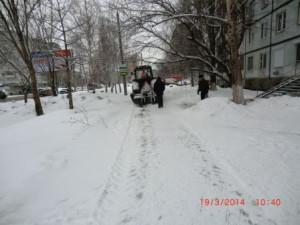 Димитрова,механизированная посыпка и уборка тротуаров (2)