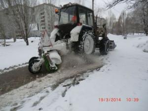 Димитрова,механизированная посыпка и уборка тротуаров