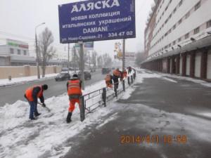 очистка тротуара по Лесной вдольгаражей (этот тротуар заваливает снегом при очистке площадки обслуживающая гараж техника) (8)