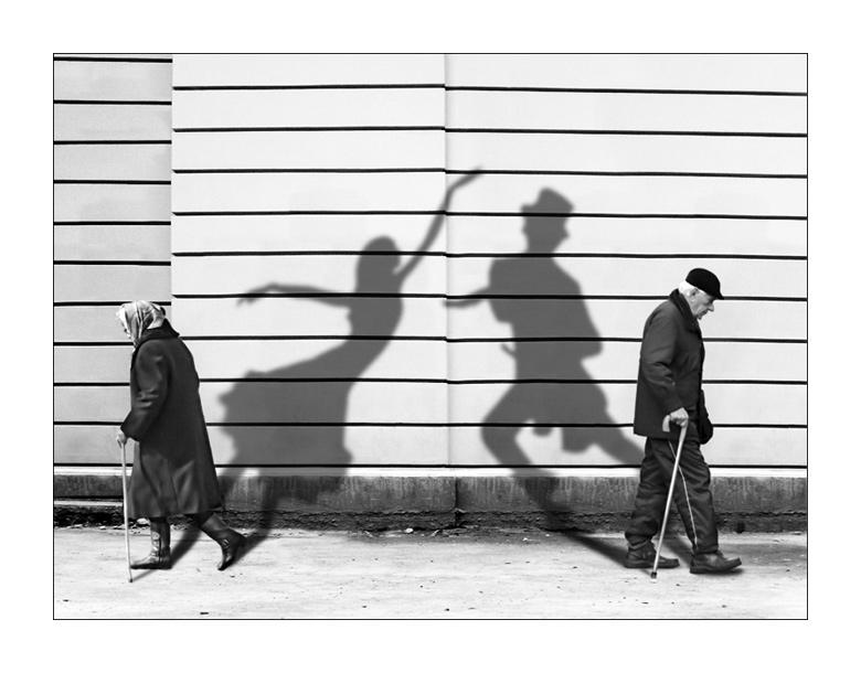 lubomir_bukov_shadows-of-past-bw-frame