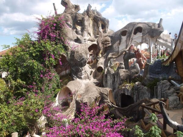 Сумасшедший дом  Hang Nga Guesthouse во Вьетнаме