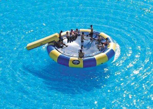 самый большой бассейн