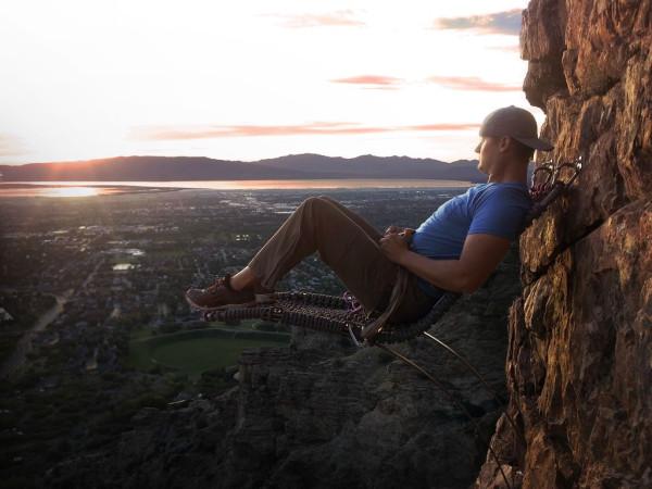 Уютное местечко для скалолазов на высоте 110 метров