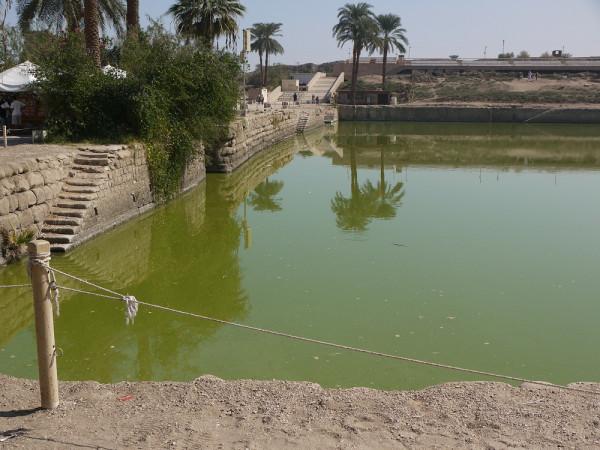 Священное озеро, Карнакский храм