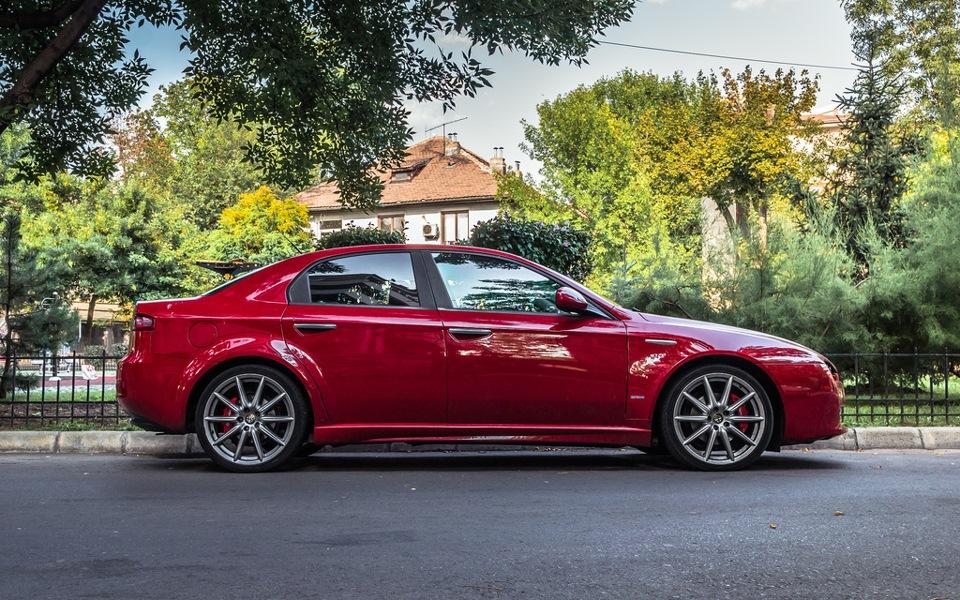 Alfa-Romeo-159-1