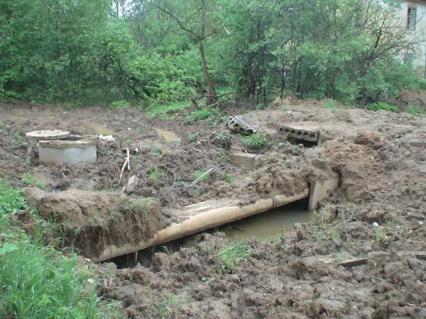 Как замминистра ЖКХ области Павел Жданов защищает фекалии. 96739_600