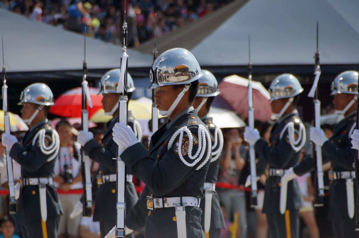 Honor guards of ROC Army  Flickr - Photo Sharing! - Google Chrome_2013-10-31_21-45-47