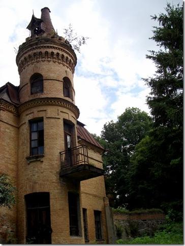 Турчинівка, палац Уванових, господарська будівля