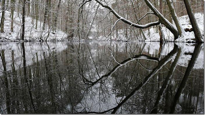 Зимове озеро