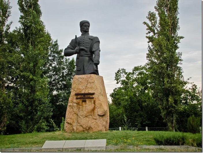 Медведівка, пам'ятник Максиму Залізняку