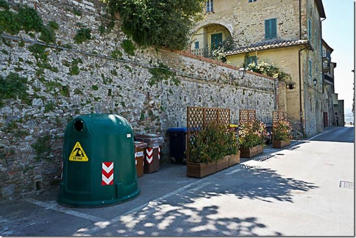 Борго Панікале, Італія