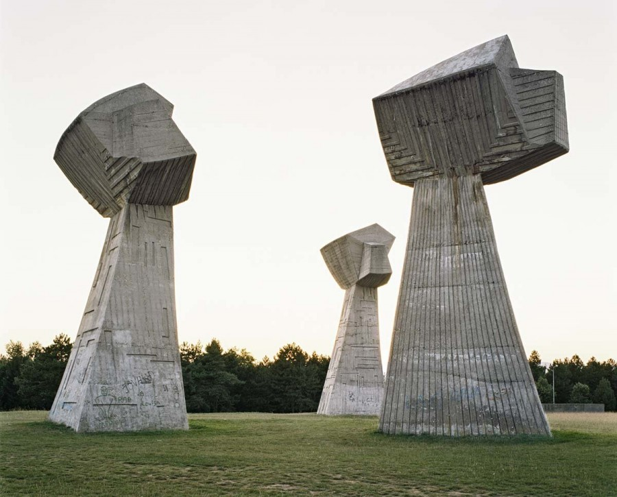 spomenik (5).jpg
