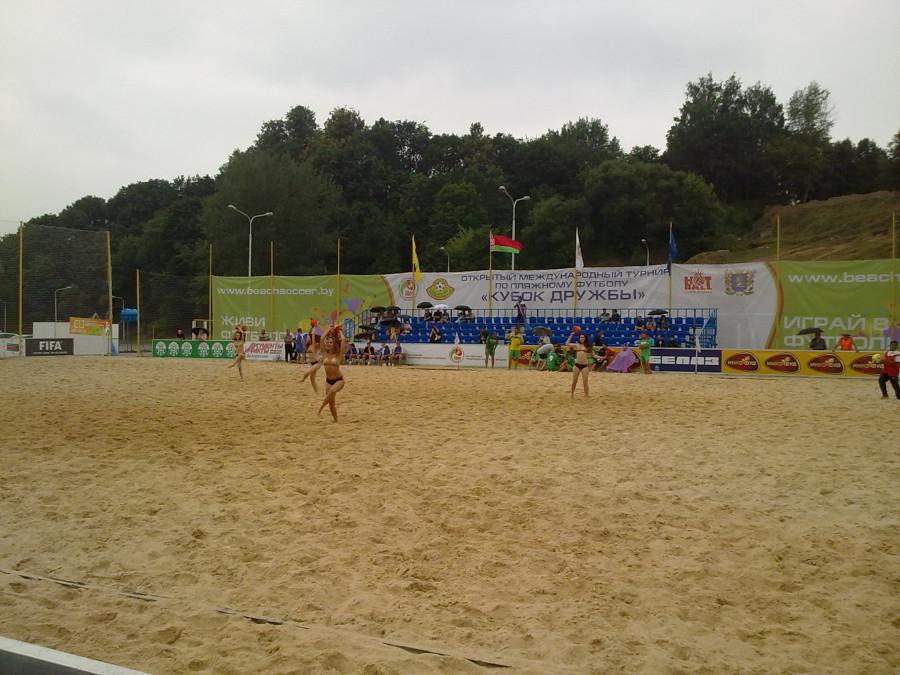 пляжный футбол чирлидеры