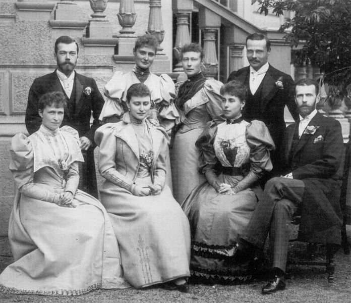 696px-the_royal_family_of_hesse