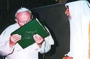 Papst-JPII-kuesst-Koran