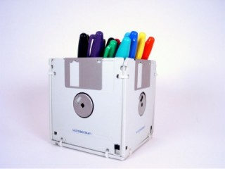 Floppy Disk Pen & Pencil Holder by GeekGear