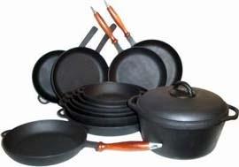 кухонные принадлежности здоровое питание посуда сковорода кастрюля чугунная стеклянная сталь качество блендер смузи рагу доски жаровня ножи шумовка банки