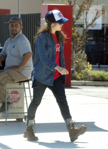 Ellen+Page+Ellen+Page+Grabs+Lunch+West+Hollywood+3EV-MAFNDVEl