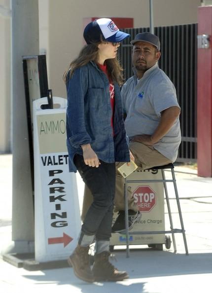 Ellen+Page+Ellen+Page+Grabs+Lunch+West+Hollywood+S-B56u3bqkRl