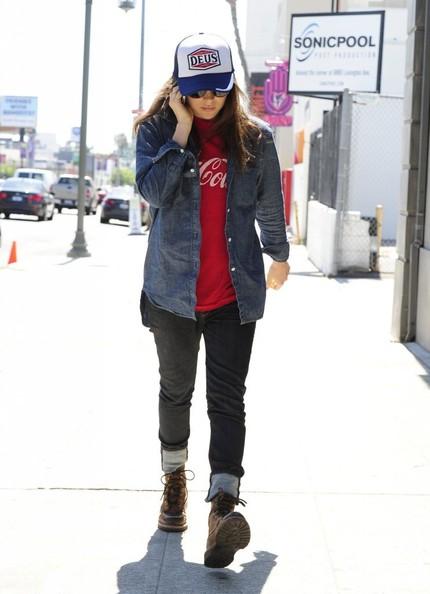 Ellen+Page+Ellen+Page+Grabs+Lunch+West+Hollywood+_5ZIuct1iIil