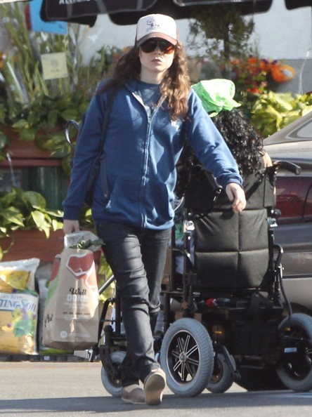 Ellen+Page+Out+Grocery+Shopping+West+Hollywood+MUYG9NNC-kYl