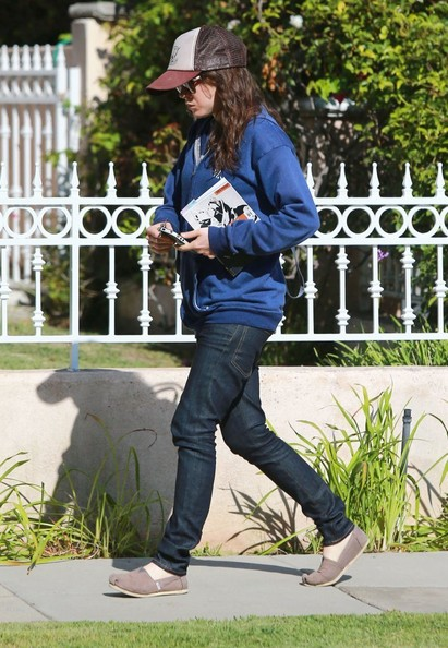 Ellen+Page+Out+Grocery+Shopping+West+Hollywood+yQLQha4A7Qyl