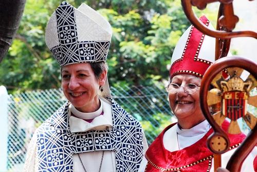 Епископ Катарина Джефферс и епископ Обиспа Агилера - епископальная церковь